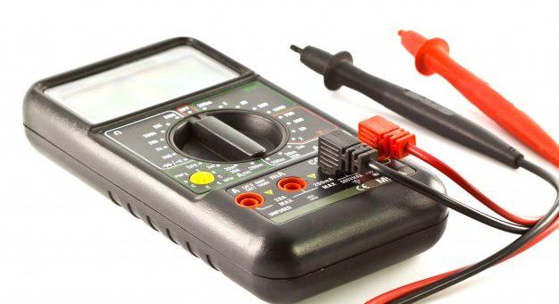 Test dit udstyr for kortslutning med en Megger
